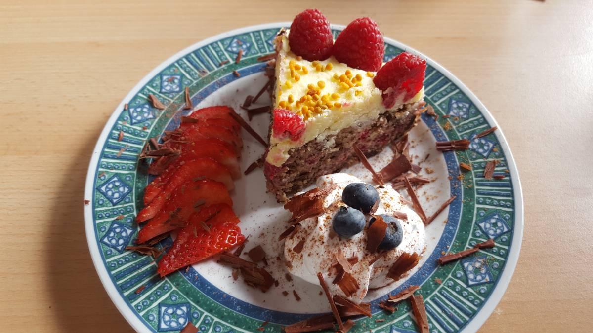 Low Carb Raspberry Cake